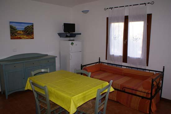 Appartamenti in affitto da privati al mare in sardegna for Monolocali arredati a palermo in affitto da privati